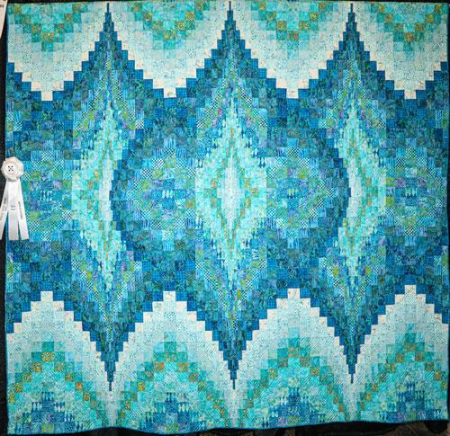 aqua bargello by linda l burk, artisan division large pieced, dallas quilt show 2020