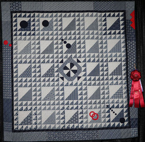 mood indigo by jolene mershon, master division two-person wall quilt, dallas quilt show 2020