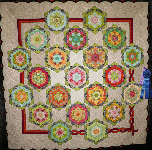 the twisted sister by margaret solomon gunn, master division large applique, dallas quilt show 2020