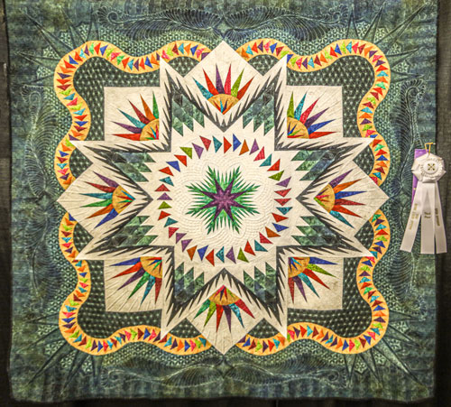 a kaleidoscope of color by vicki owen, open division group friendship, dallas quilt show 2020