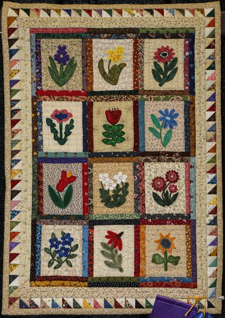 little buds by becky holley, open division small traditional quilts, dallas quilt show 2020